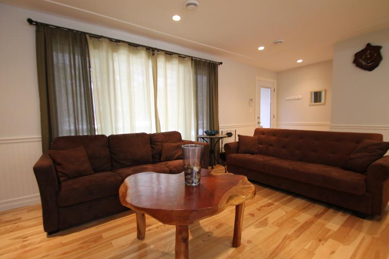Upstairs Living Room Sofas & Coffee Table