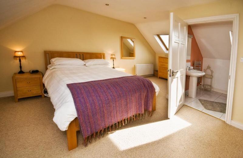Ensuite bedroom upstairs