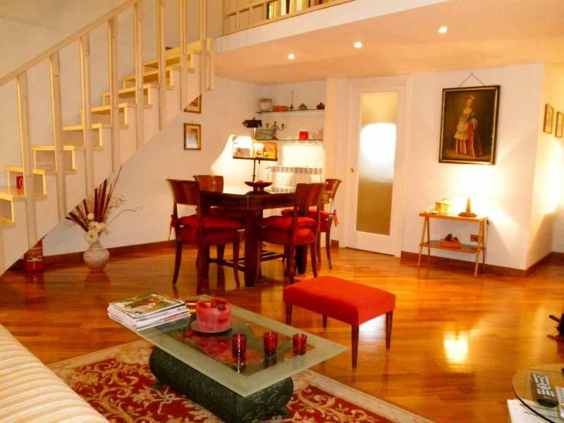 Central Rome Campo de' Fiori Luxury Home wonderful reviews very clean free wifi, vacation rental in Rome