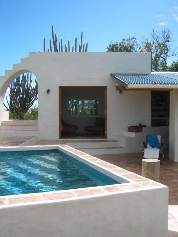 Pool to living room