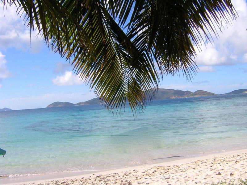Smuggler\'s Cove beach
