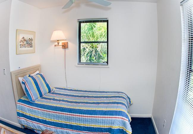 Single bed in loft area