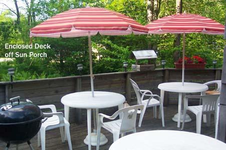 Große Terrasse für Mahlzeiten im freien