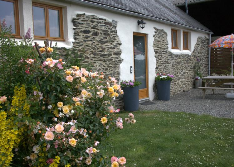 Couples Rural Escape, easy access to Western Brittany: Penlan Gites, Gite 2, holiday rental in Finistere