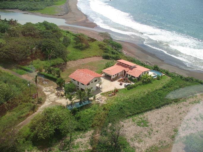 Costa Rica Beach-Front  @ Playa Azul, Guanacaste, vakantiewoning in San Juanillo