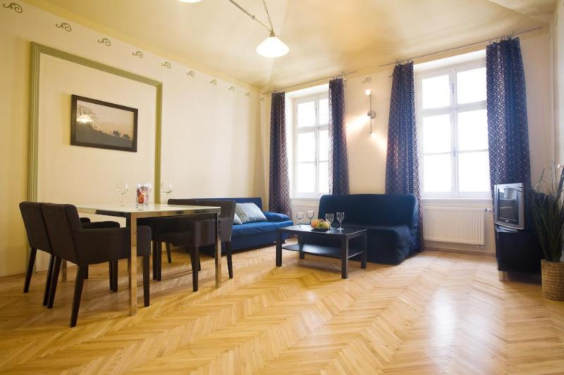 Beautiful 2 BR apartment (70 sqm) with balcony in Old Town next to Charles Bridge for up to 6 people