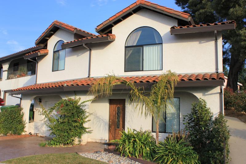 West Coast Villa II sleeps 6 to 7 guests in this 3 Bedroom San Francisco Vacation Rental
