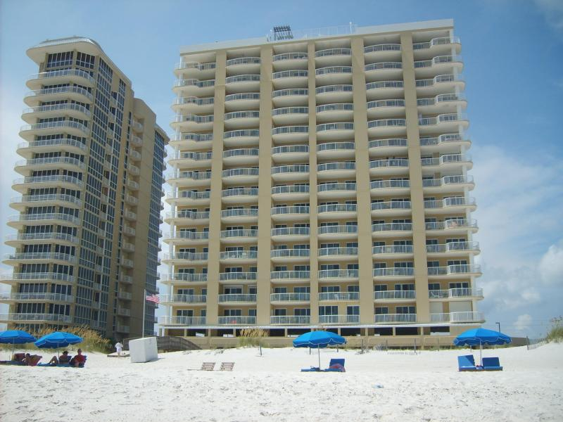 Island Royale Built in 2002