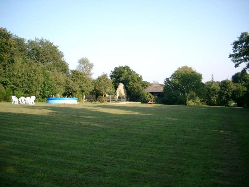 The Paddock with Pool & Boules pitch