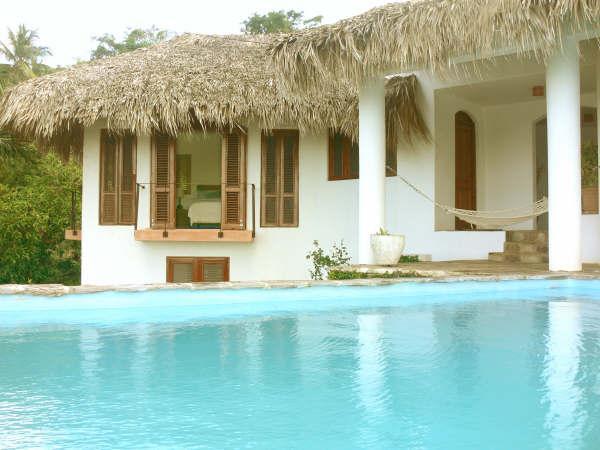 vista de la habitación principal de la piscina
