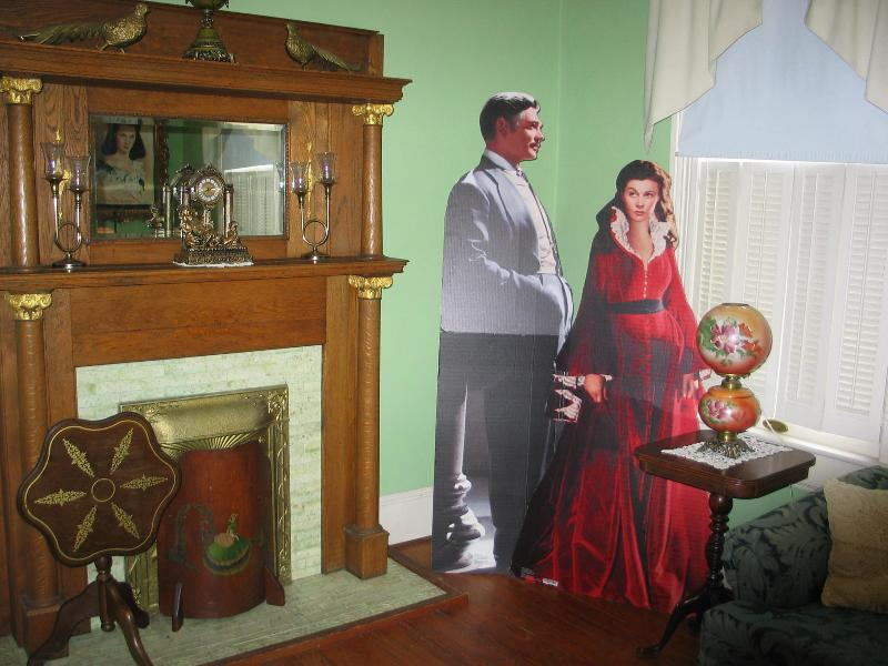 living room parlor  theme gone with the wind