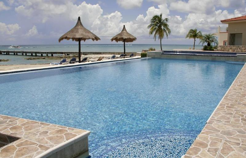 Infinity pool with children's pool