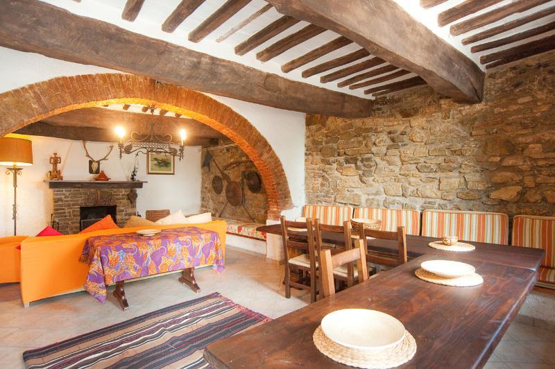 Holiday Accommodation in Umbria near Water Sports - Villa Trasimeno, holiday rental in Sant'Arcangelo
