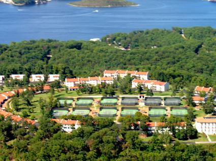 Country Club Resort and Hotel