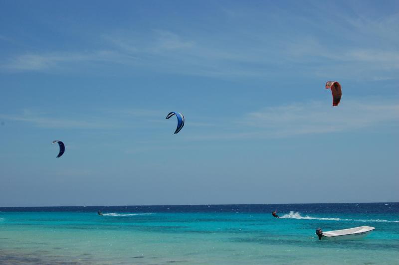 Kite Beach Bonaire - Atlantis Beach.  Take kite lessons here!