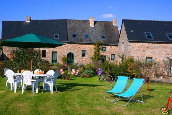 Old typical Cottage 8 Persons Mt St Michel France – semesterbostad i Ille-et-Vilaine