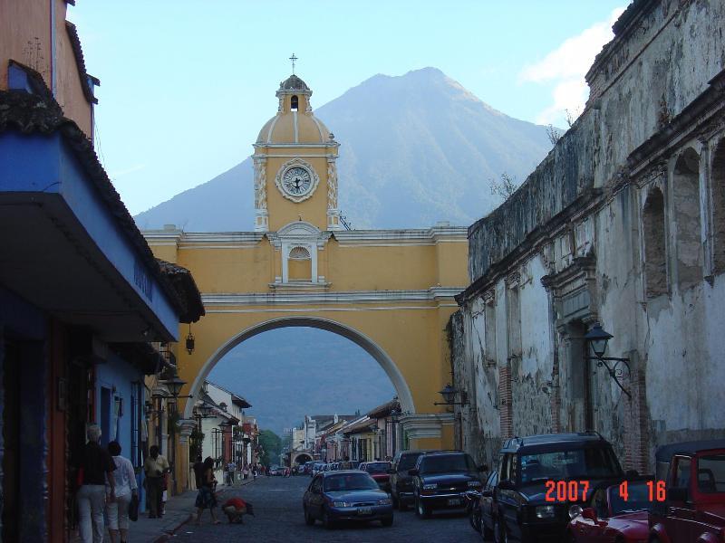CITY SCENES: CALLE DEL ARCO