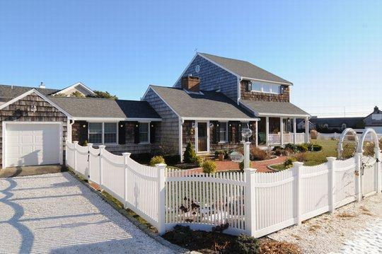 Luxury Home - Steps to Sandy Beach, holiday rental in South Yarmouth