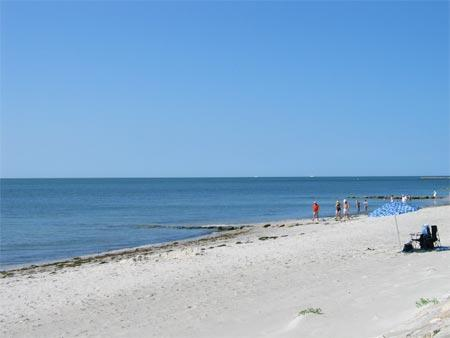 Steps away from the soft sand of Yarmouth\'s south shore beaches