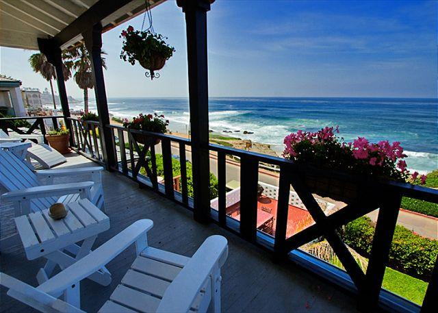 Relax and watch the waves on the deck.