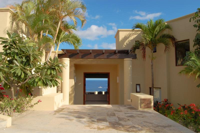 Beautiful Ocean View as You Walk in The Door