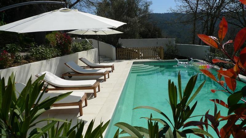 Swimmingpool from adjacent
