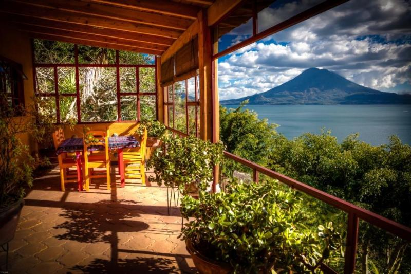 Exquisite Home on 10-Acre Garden Estate with pool, vacation rental in Lake Atitlan