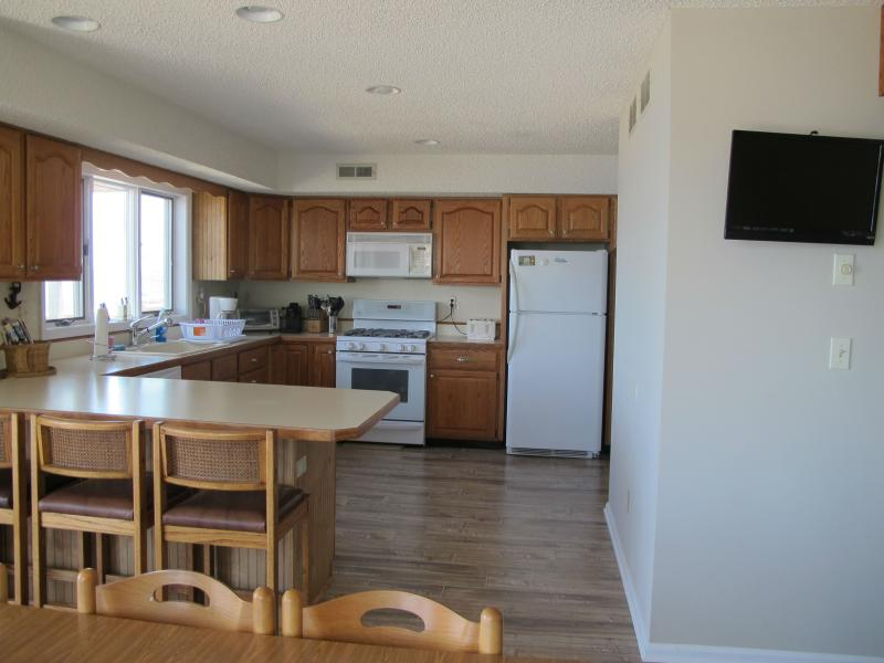 Huge Kitchen - eat in area and island - views out onto bay