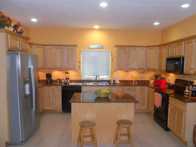 Kitchen - Fully Equipped - Turnkey Full American Kitchen all cooking utensils
