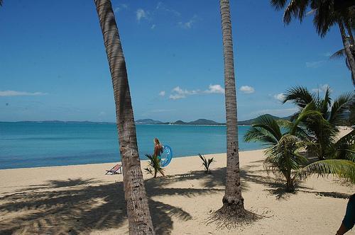 Meanam beach just 2 mins away walking distance