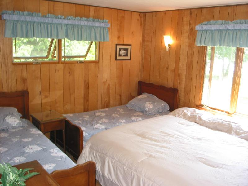 Bedroom #2 - King size and 2 twin beds - sleeps 4