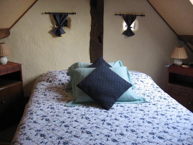 Cosy Calvados Cottage bedroom
