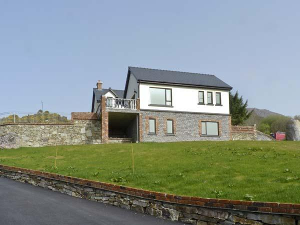 OCEAN VIEW ,  luxury holiday cottage, with a garden in Adrigole, County Cork, location de vacances à Ahakista