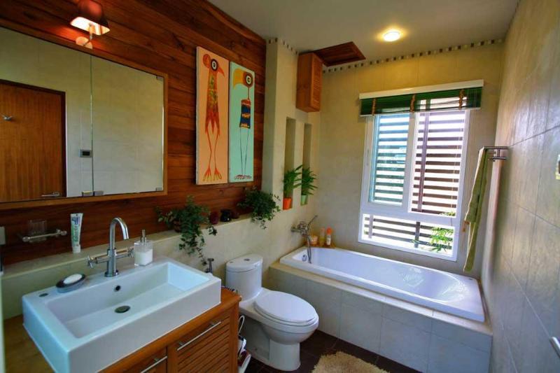 Master En-Suite Bathroom | The Levels | luxury, sea-view, villa for rent, Koh Lanta, Thailand