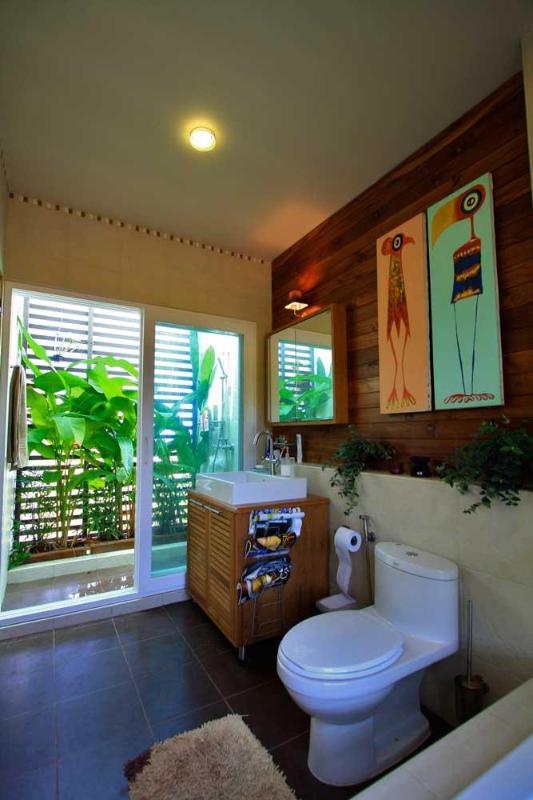 Master badrum | Nivåerna | lyx, havsutsikt, villa uthyres, Koh Lanta, Thailand