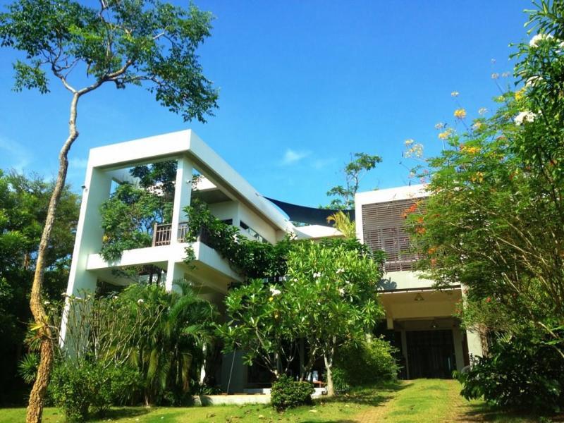 Built to impress | The Levels | luxury, sea-view, villa for rent, Koh Lanta, Thailand