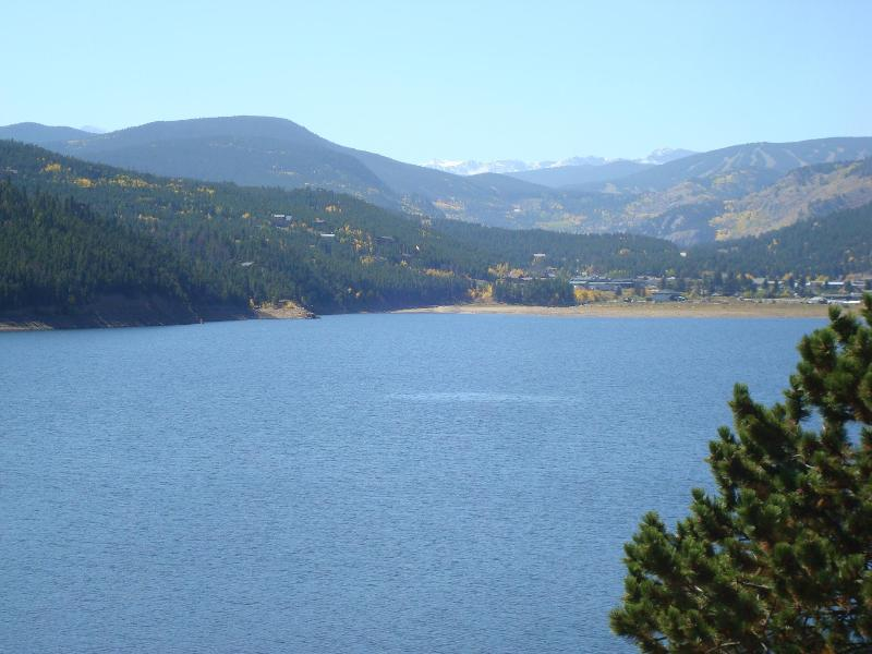A LOT OF BEAUTIFUL LAKE AROUND. SOME ARE GREAT FOR FISHING.