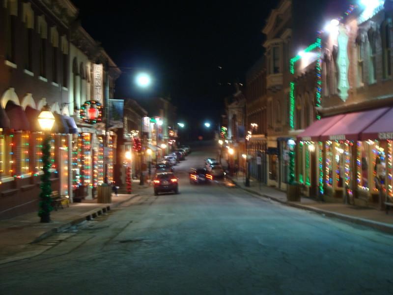 THE CITY IS DECORATED WITH LIGHTS AND GARLANDS DURING WINTER HOLIDAYS