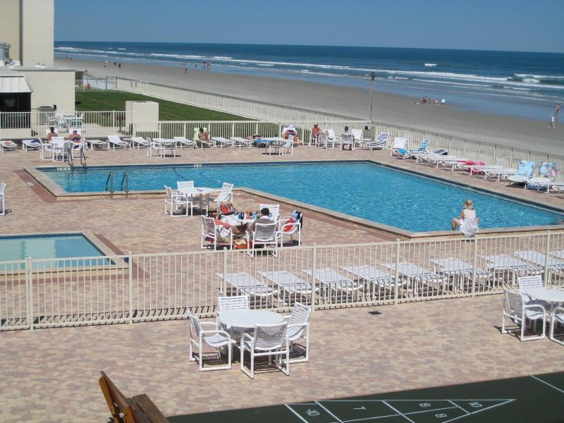 Overview -Pool, Toddler Pool, Beach/Ocean