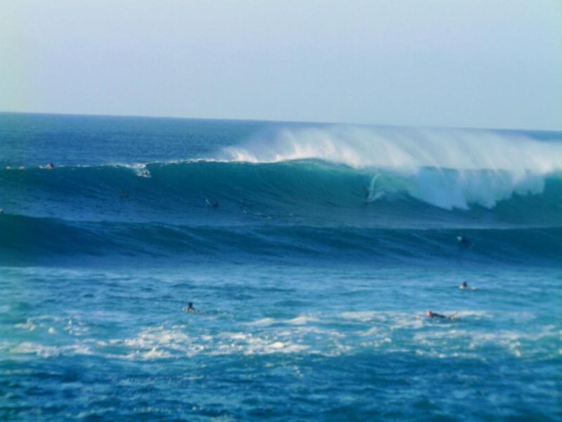 Sunset Beach/Pipeline World Class Surfing just a short bike ride/walk!