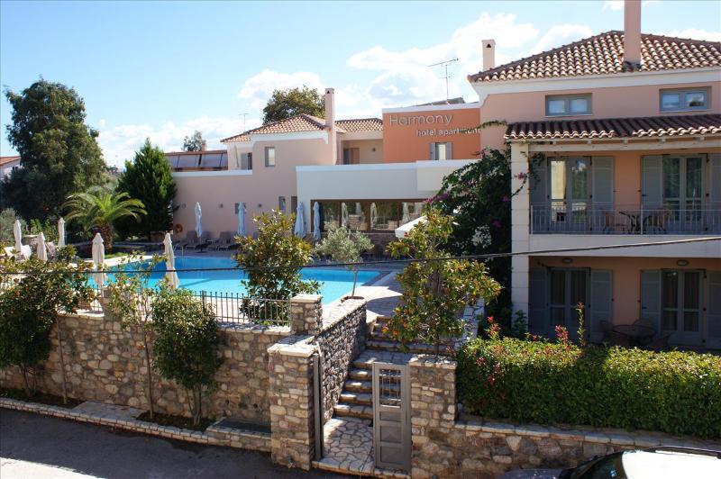 Harmonia Hotel Apartments-Peloponeso-Egialia