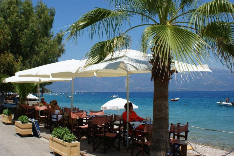Seaside-Kaffee - Bar in Longos, 350 m vom Harmonie