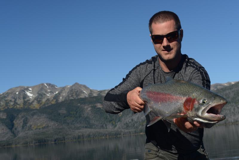 Tesla Lake Lodge- Wilderness Getaway, Ferienwohnung in Burns Lake