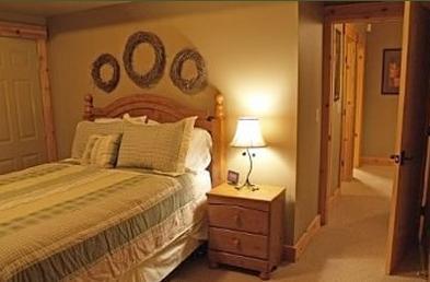 2ème bas niveau chambre à coucher, idéal pour les enfants de 4 avec couchettes simples et un lit queen.