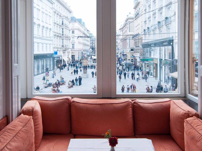 View from the sitting area of the Meinl cafe over the Graben pedestrian street