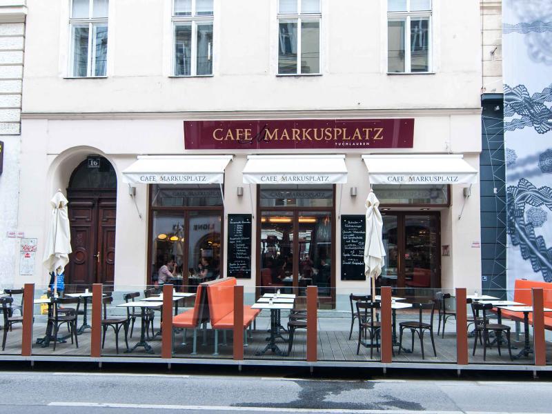 1 minute walk: traditional Cafe Markusplatz on Tuchlauben