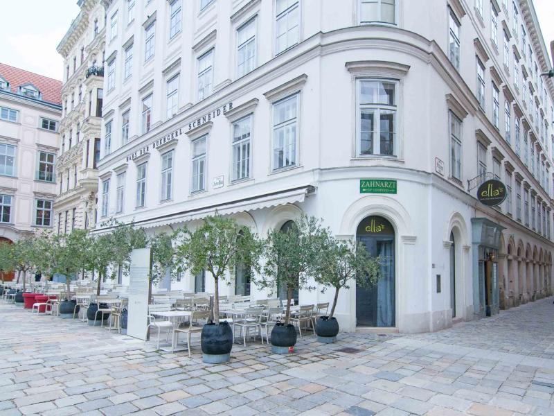 30 seconds walk: the very good Ella's restaurant on the Judenplatz