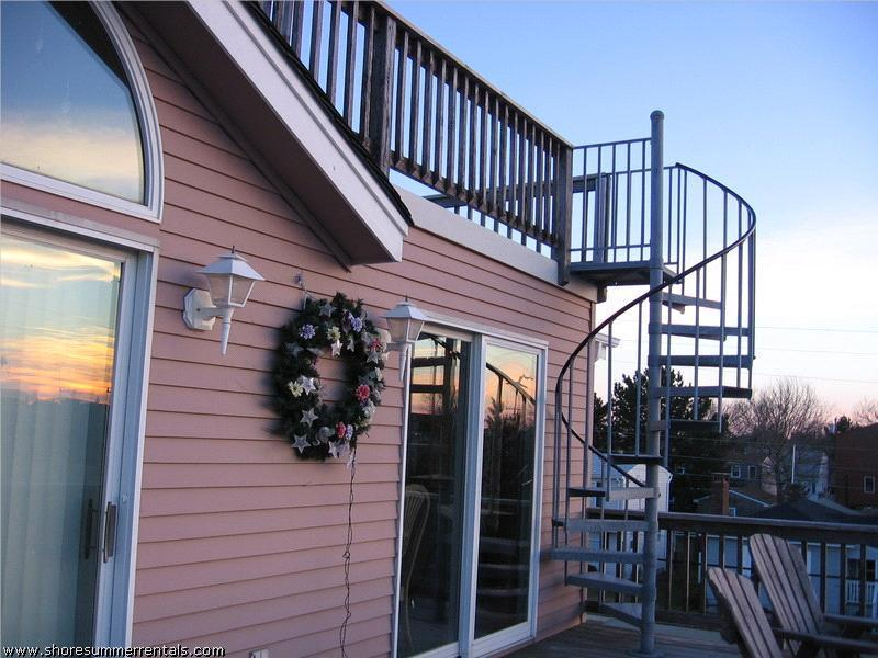 Stairway to Heaven....rooftop deck for private sunbathing and stargazing
