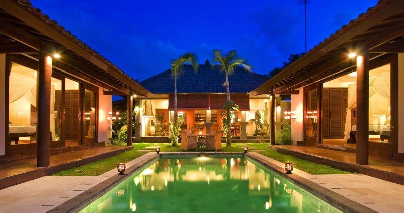Villa Ketumbar piscina