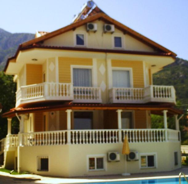 Contemporary luxury duplex apartment in Ovacik, vacation rental in Ovacik